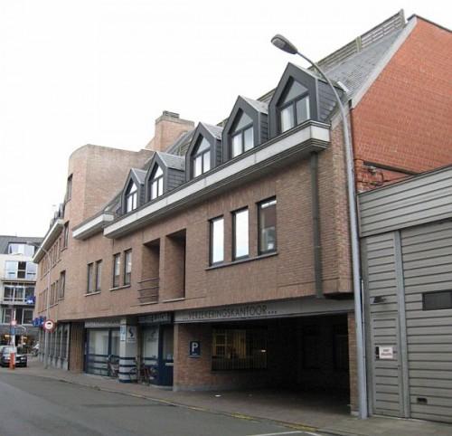 Syndicus en VastgoedbeAheer Norm Waregem: Residentie Hermes ingang gareges